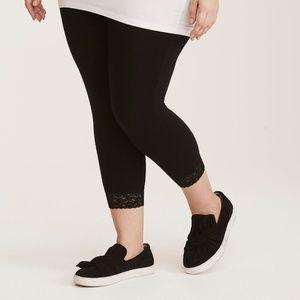 NWT ** Torrid Black Lace Mid-Calf Leggings